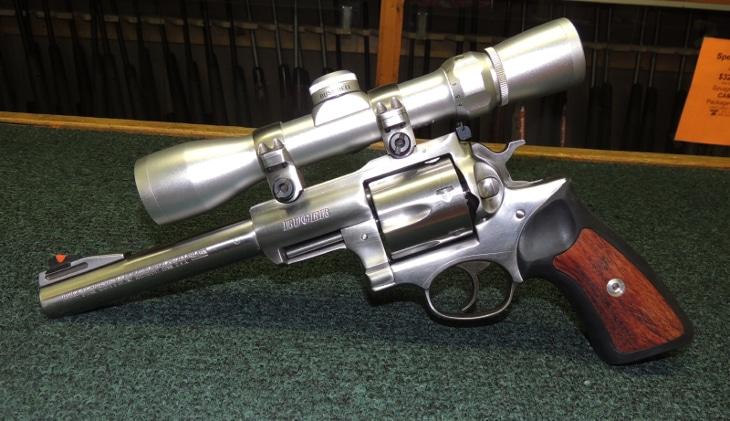 Handgun scope field of view