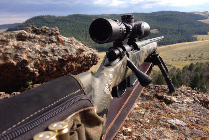 Lightweight rifle scope