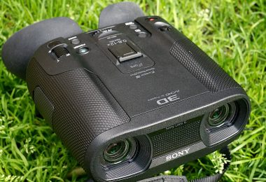 Digital binoculars with cam