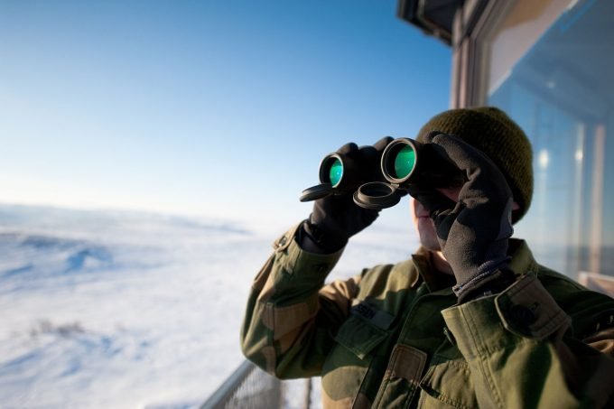 Monocular VS Binocular: Spotting the Difference