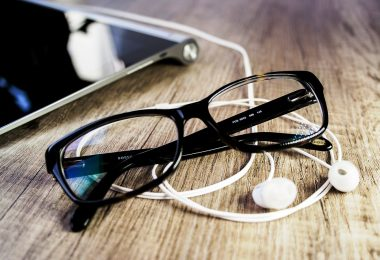 Glasses with CR 39 Lenses