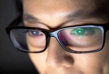 Using Anti Glare Glasses