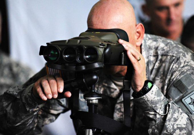 looking with thermal imaging binoculars