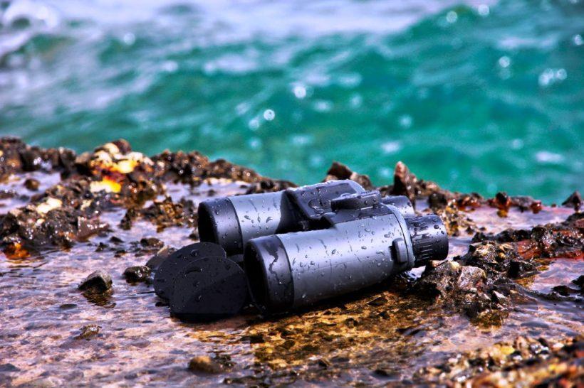 Binoculars in Water